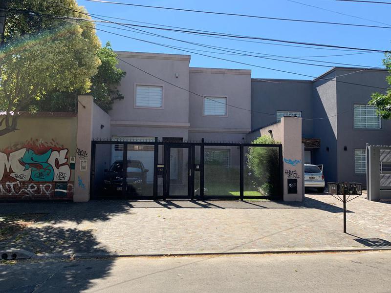 Foto Casa en Venta en  Lomas de Zamora Oeste,  Lomas De Zamora  Beltran al 100 POSIBLE FINANCIACION