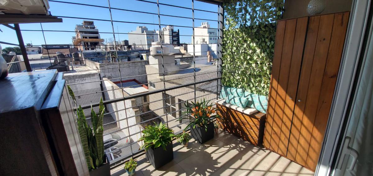 Foto Departamento en Venta en  Liniers ,  Capital Federal  Oliden al 700
