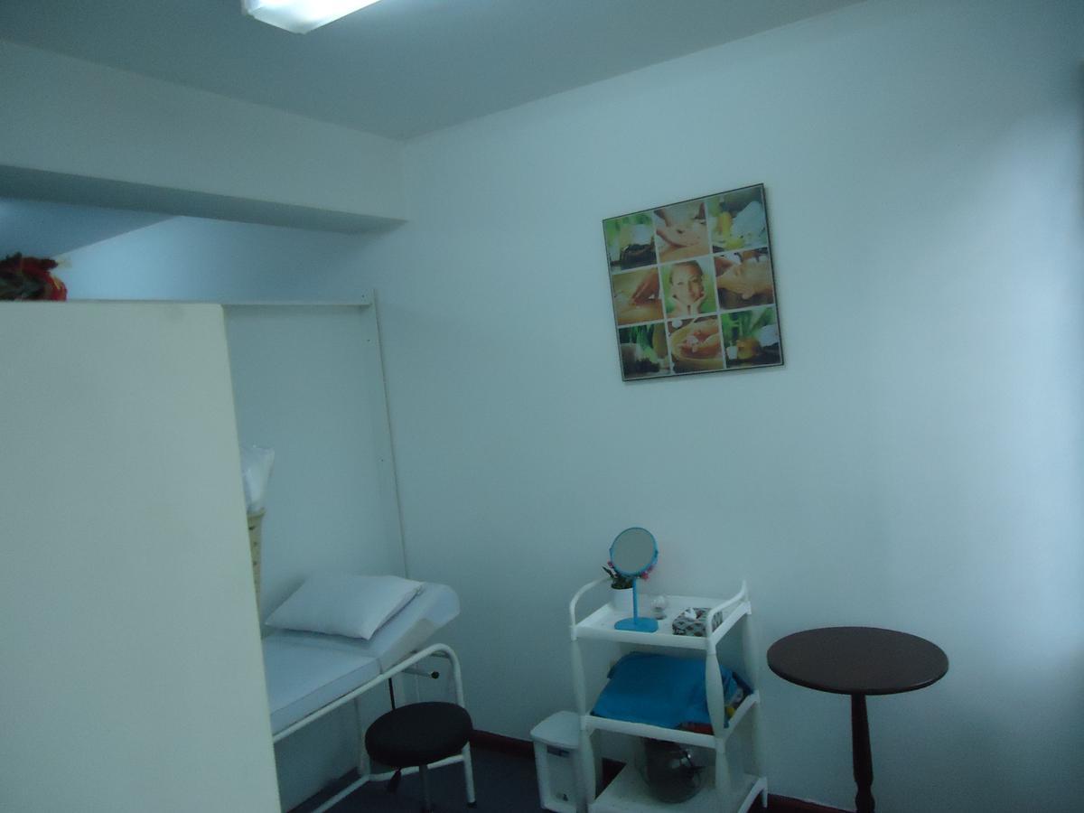 Foto Oficina en Venta en  La Carolina,  Quito  Mariana de Jesus