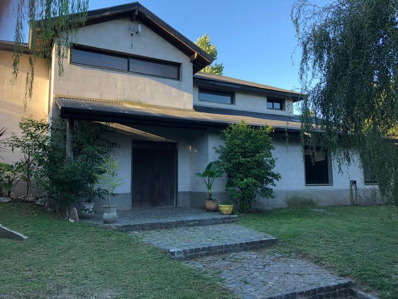 Foto Casa en Venta en  Haras Myriam,  Barrio Parque Leloir  Aguirre al 500