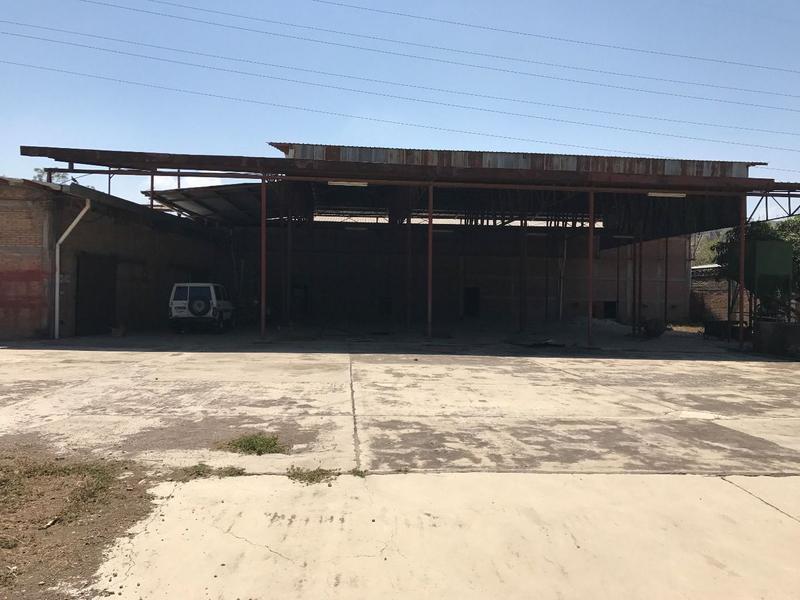 Foto Bodega Industrial en Renta en  Santa Fe,  Tegucigalpa  Complejo de Bodegas en Circuito Cerrado cerca de Mall Premiere, TGU