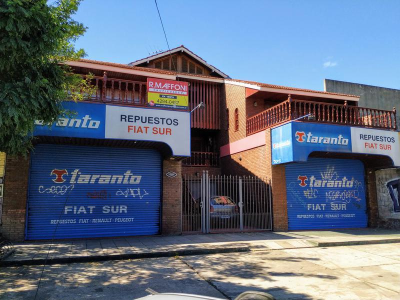 Foto Local en Venta en  Burzaco Oeste,  Burzaco  Av. Hip Yrigoyen