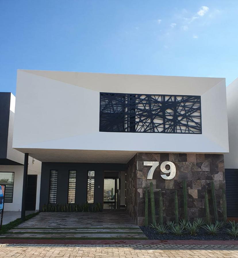 Foto Casa en condominio en Venta en  Playa del Carmen Centro,  Solidaridad  CASA EN VENTA EN PLAYA DEL CARMEN EN RESIDENCIAL BOSQUES DE BAMBU