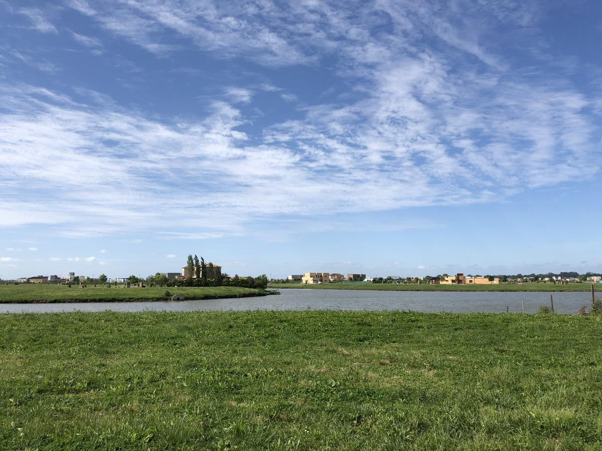 Foto Terreno en Venta en  San Sebastian,  Countries/B.Cerrado  San Sebastian Area 10 Lote al 300