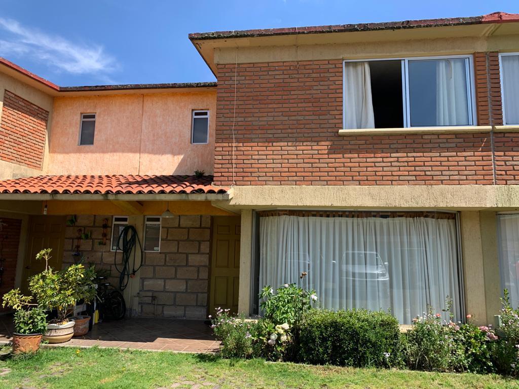 Foto Casa en condominio en Venta en  San Felipe Tlalmimilolpan,  Toluca  Venta de Casa en Fraccionamiento Vista Hermosa, Metepec