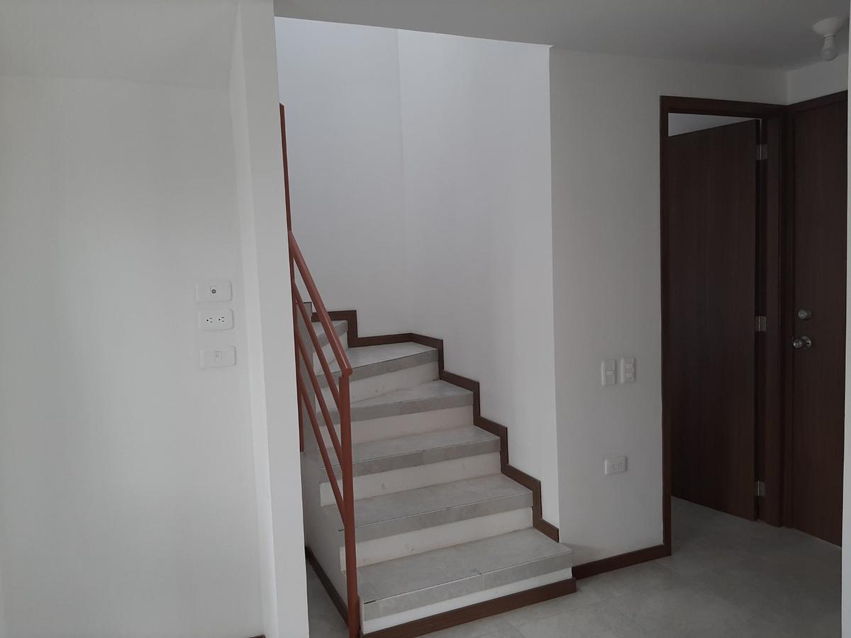 Foto Casa en Venta en  Calderón,  Quito                          SE  VENDE CASA EN SAN JUAN DE CALDERÓN