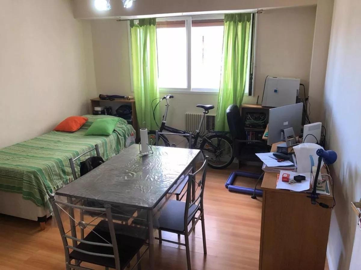 Foto Departamento en Venta en  Balvanera ,  Capital Federal  VENEZUELA 3000 6°