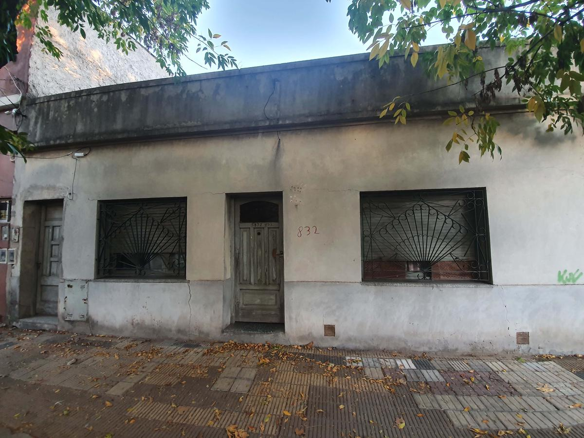 Foto Terreno en Venta en  Villa Saenz Peña,  Tres De Febrero  Giorello 832