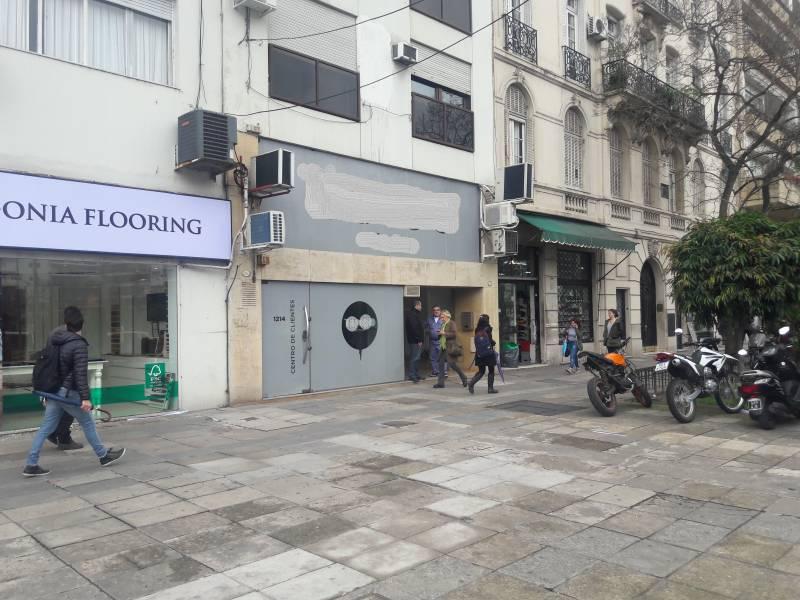 Foto Local en Alquiler en  Retiro,  Centro  Cerrito al 1200