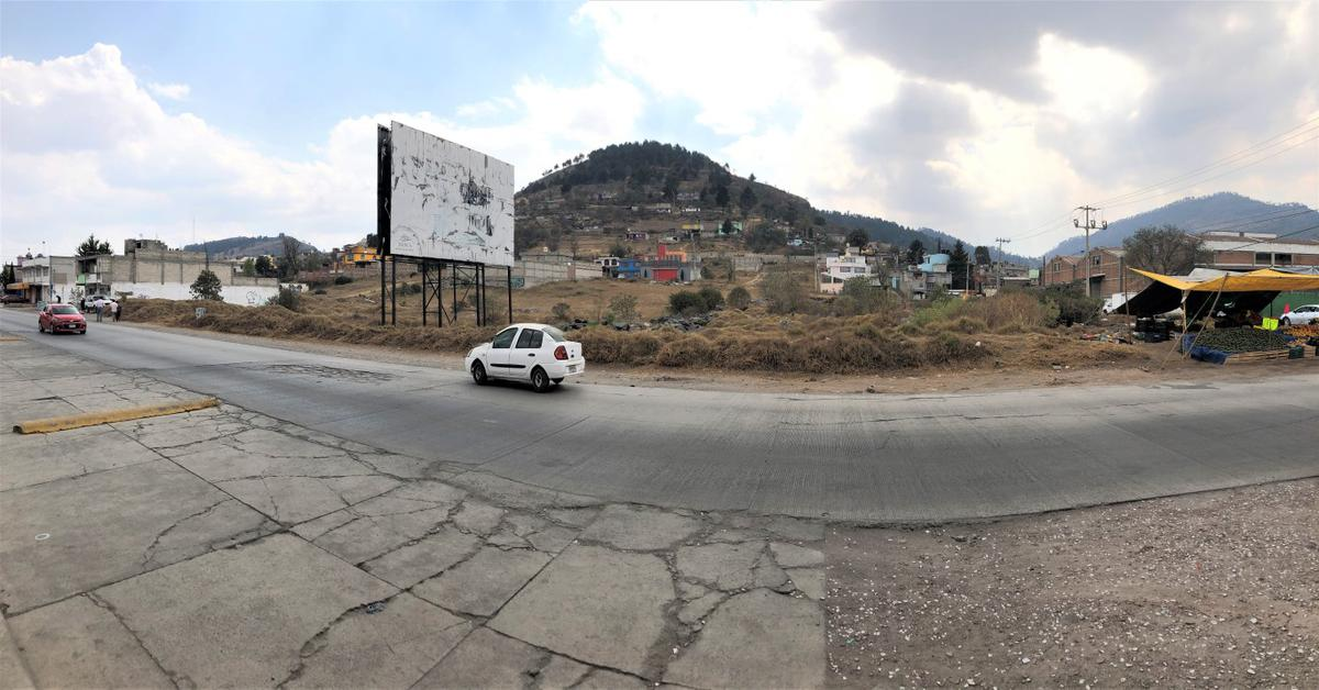 Foto Terreno en Venta en  Santa Cruz Azcapotzaltongo,  Toluca  TERRENO EN VENTA EN ESQUINA SOBRE AV. PRINCIPAL EN SANTA CRUZ  AZCAPOTZALTONGO, TOLUCA