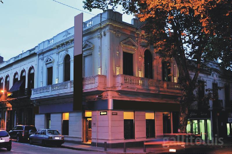 Foto Local en Alquiler en  Centro,  Montevideo  Importante Esquina - Planta Alta - Constituyente y Gaboto