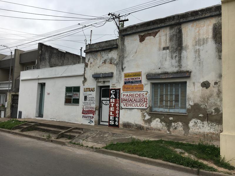 Foto Casa en Venta en  Centro De Lujan,  Lujan  Francia Nº 1520
