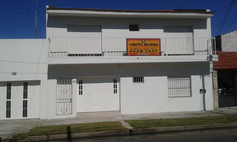 Foto PH en Alquiler en  Lanús Oeste,  Lanús  HUMBERTO 1° al 2000