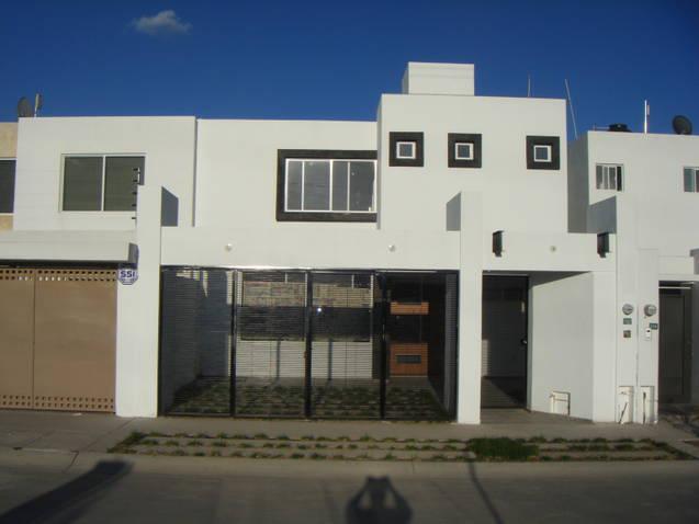 Foto Casa en Venta en  San Luis Potosí ,  San luis Potosí  CASA EN VENTA EN VILLAMAGNA 1A ETAPA, SAN LUIS POTOSI