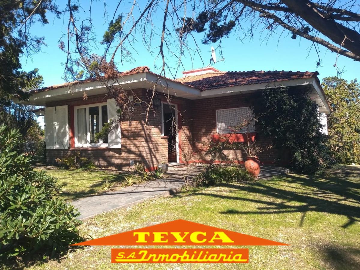 Foto Casa en Alquiler temporario en  Pinamar ,  Costa Atlantica  MARTIN PESCADOR 526