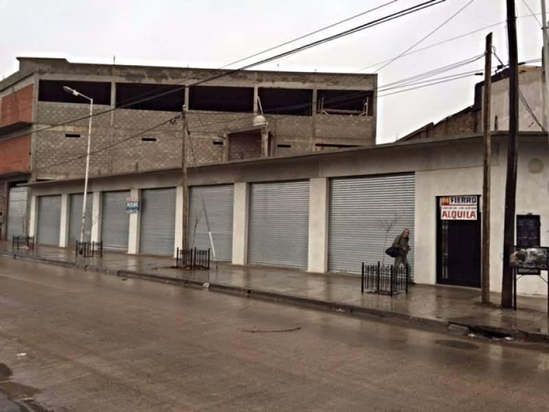 Foto Local en Alquiler en  Jose Clemente Paz,  Jose Clemente Paz  BUTLER al 100
