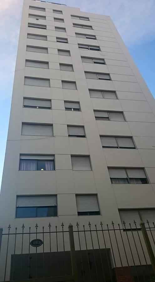 Foto Departamento en Venta en  Plaza Rocha,  La Plata  calle 55 e/ 4 y 5