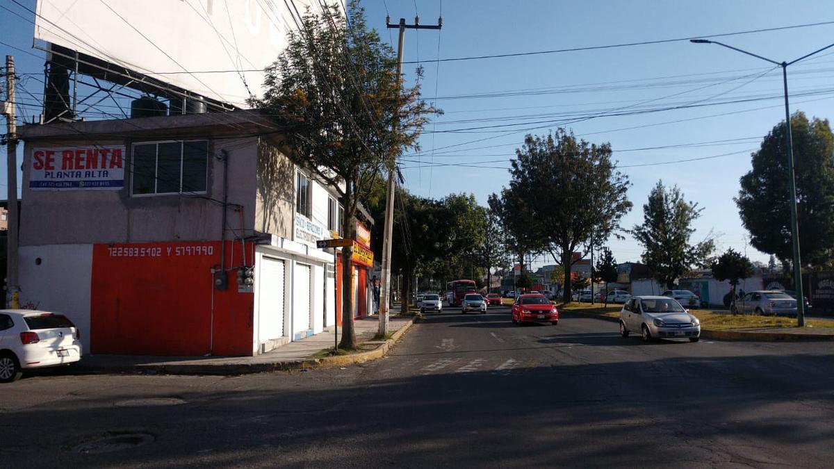 Foto Local en Renta en  Santa Ana TlapaltitlAn,  Toluca  Local Comercial en Comonfort