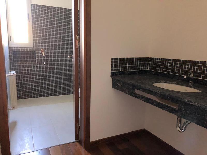 Foto Casa en Venta en  Manantiales Country,  Cordoba Capital  Manantiales Country!! Casa a estrenar!! Una sola planta.