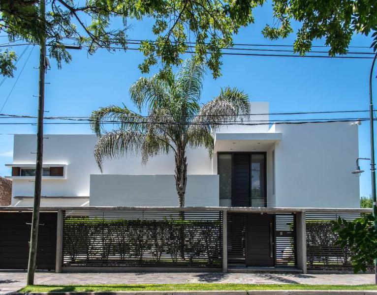 Foto Casa en Venta en  Carlos Tejedor,  San Isidro  Carlos Tejedor al 900