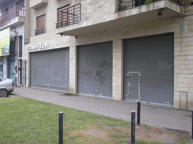 Foto Local en Venta en  Turdera,  Lomas De Zamora  Av. H. Yrigoyen al 12000