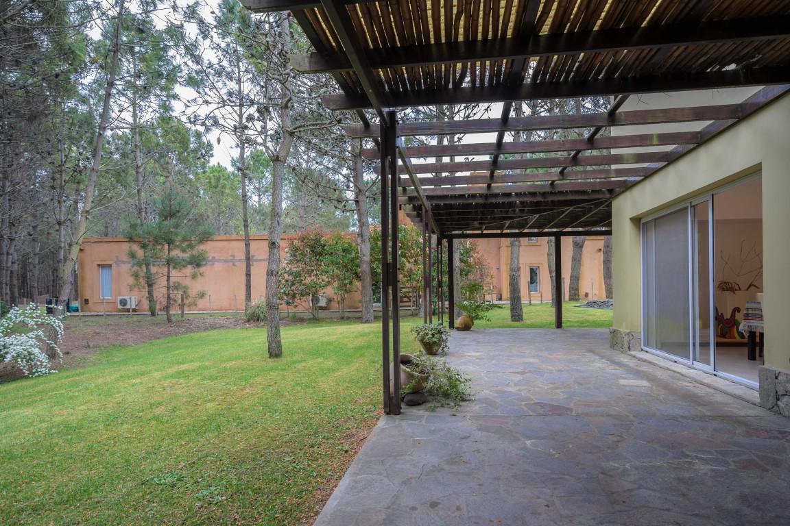 Foto Casa en Alquiler temporario en  La Herradura,  Pinamar  Del Rodeo Lote 5