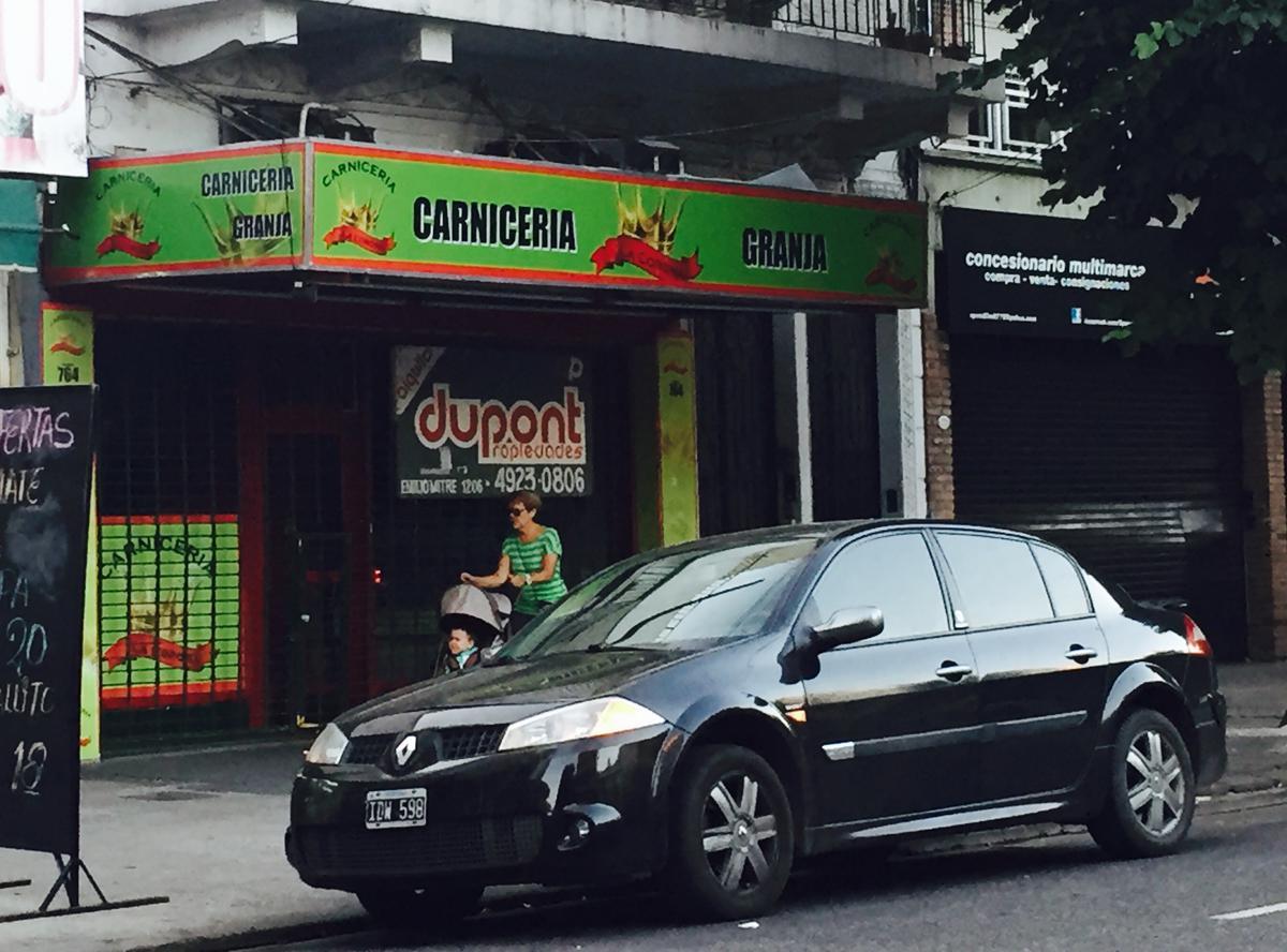 Foto Local en Alquiler en  Caballito ,  Capital Federal  Av. Acoyte al 700