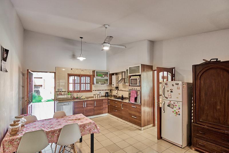Foto Casa en Venta en  Yerba Buena ,  Tucumán  Pasaje Esmeralda