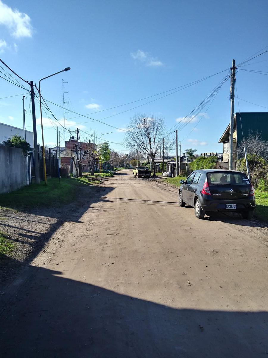 Foto Terreno en Venta en  Gualeguaychu ,  Entre Rios  Hector de Irigoiyen y Teresa de Margalot
