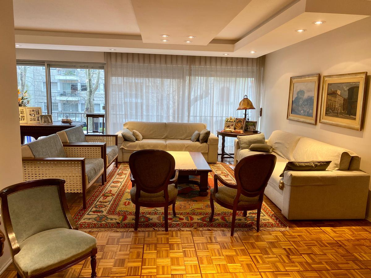 Foto Apartamento en Venta en  Pocitos ,  Montevideo  Punta Carretas próximo Ivy Thomas