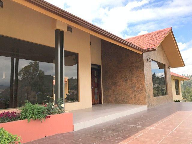 Foto Casa en Venta en  Oeste,  Cuenca  Turi
