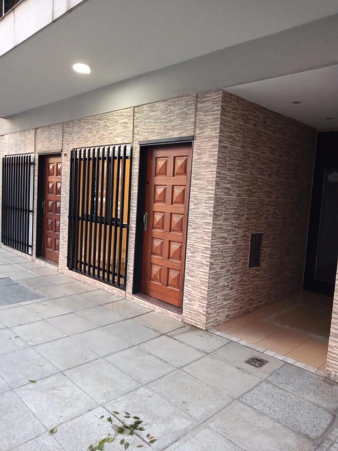 Foto Local en Alquiler en  Caballito ,  Capital Federal  ACHAVAL al 400