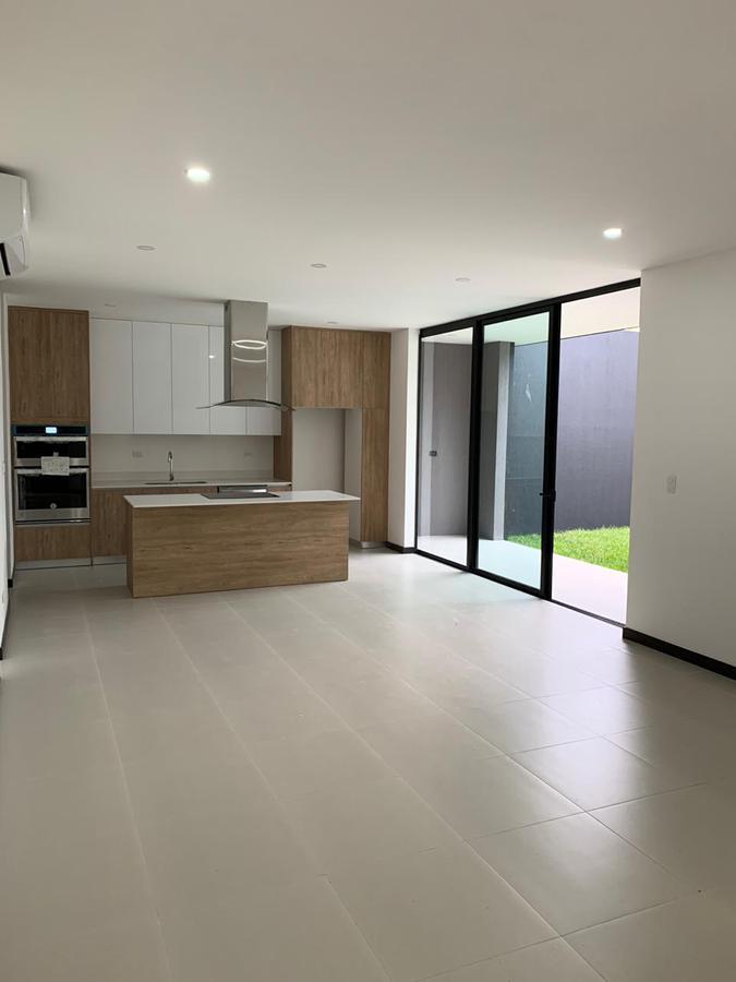 Foto Casa en condominio en Venta | Renta en  Santa Ana ,  San José  Santa Ana/ Una planta/ 3 habitaciones con baño privado y A/C