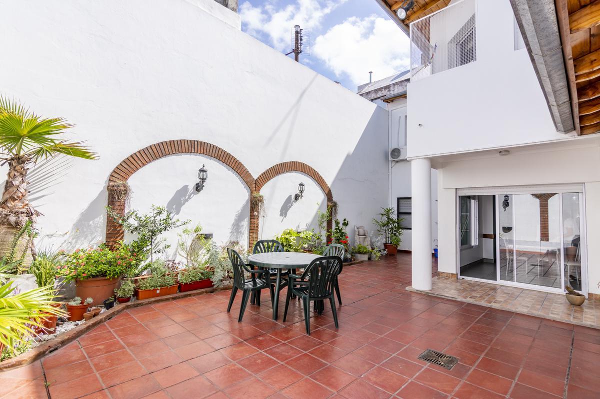 Foto Casa en Venta en  Caballito ,  Capital Federal  Amberes 900