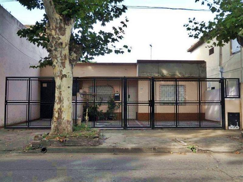 Foto Casa en Venta en  Villa Adelina,  San Isidro  Martin Rodriguez entre Araoz y Rivera