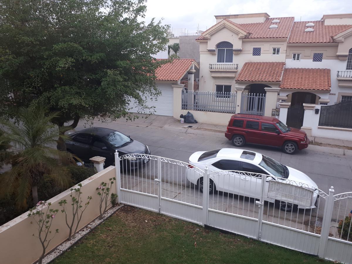 Foto Casa en Venta en  Fraccionamiento Montecarlo Residencial,  Culiacán  CASA EN VENTA EN MONTE CARLO RESIDENCIAL CON RECAMARA EN PLANTA BAJA