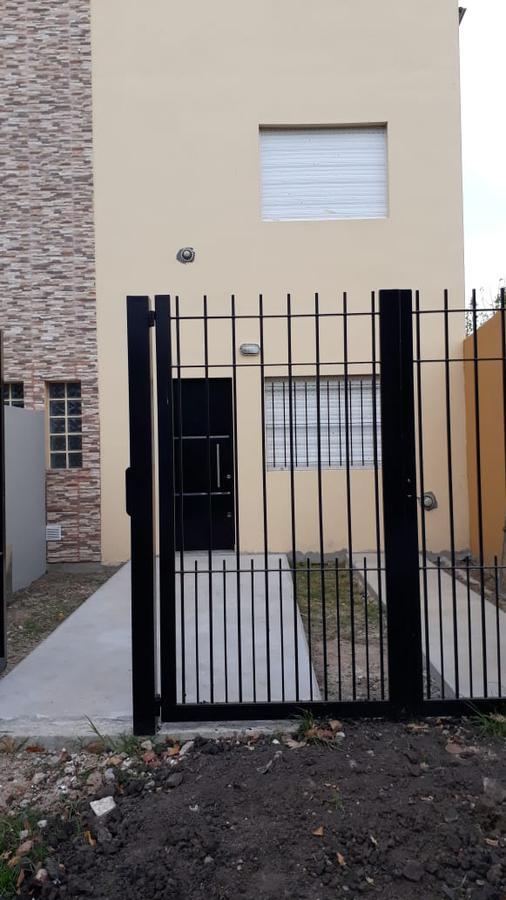 Foto Departamento en Alquiler en  Villa Elvira,  La Plata  79 e 25 y 26