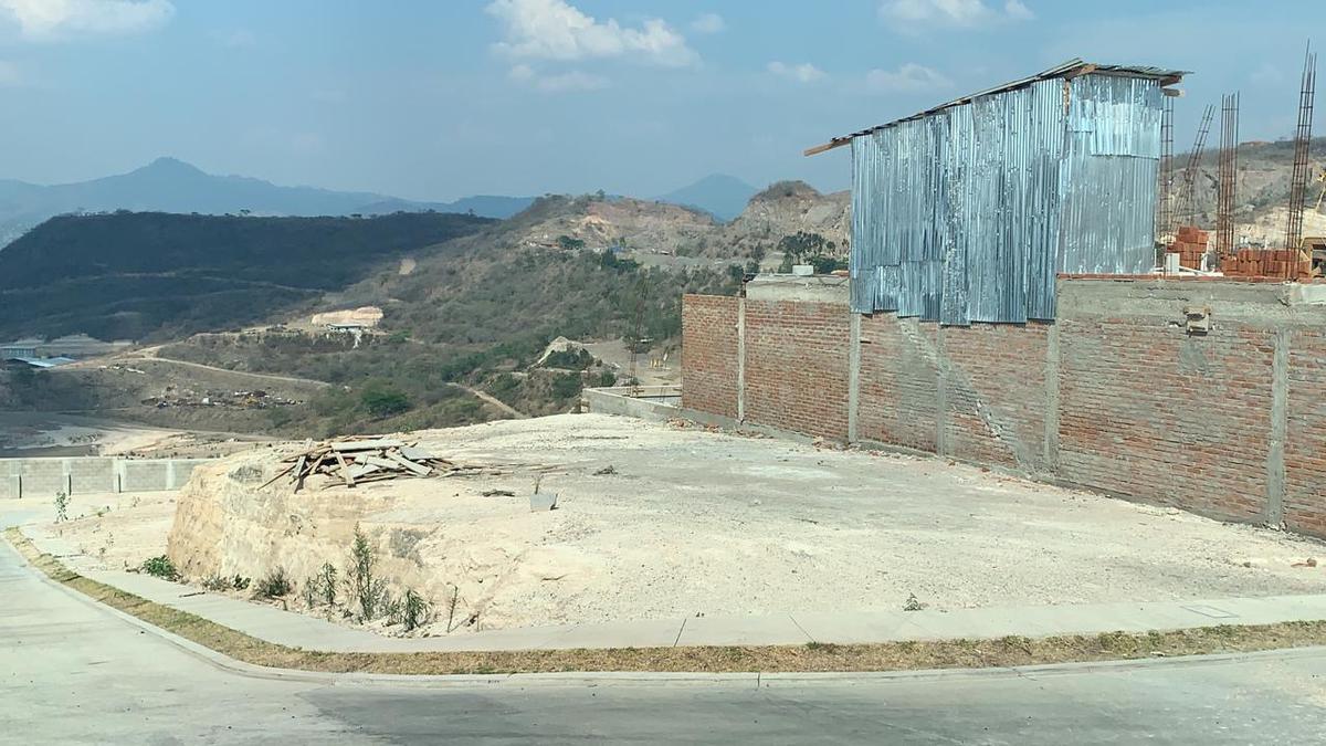 Foto Casa en Venta en  El Sauce,  Tegucigalpa  Amplia Casa con Jardin en Venta en Res. El Sauce, Tegucigalpa