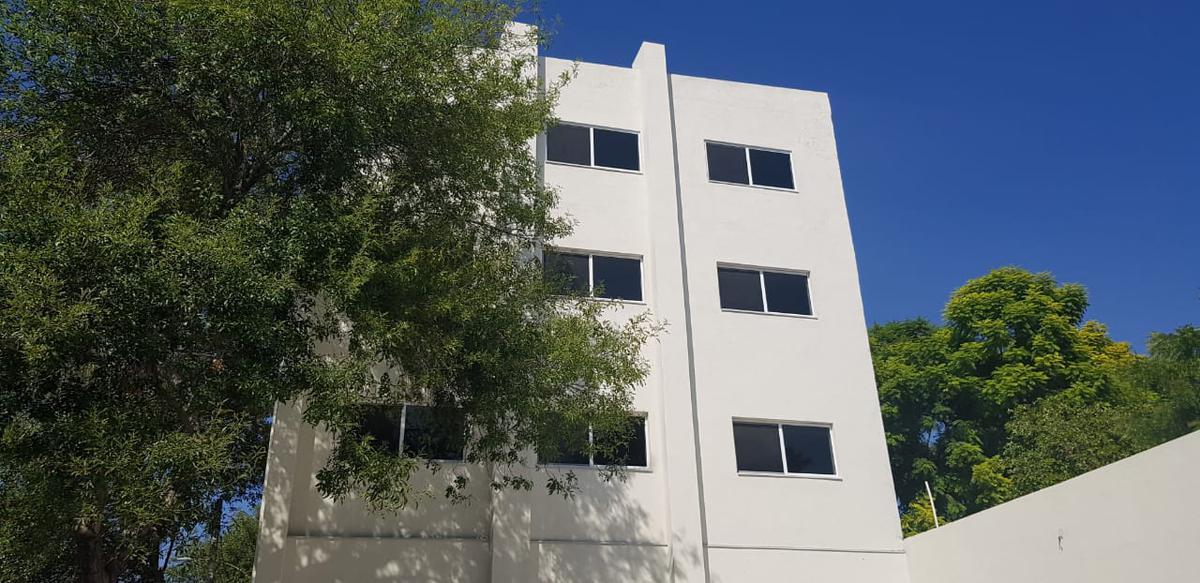 Foto Oficina en Renta en  Centro,  Monterrey  Oficina en Renta Zona Centro de Monterrey. Edificio nuevo de oficinas en excelente ubicación con estacionamiento exclusivo a cuadras del palacio de gobierno. (MVO)  Oficina en Primer Piso del Edificio