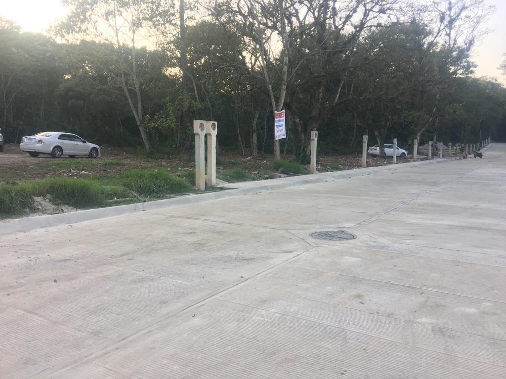 Foto Terreno en Venta |  en  Fraccionamiento San José,  Coatepec  TERRENO EN VENTA EN COATEPEC VER, L8 M4, al 100