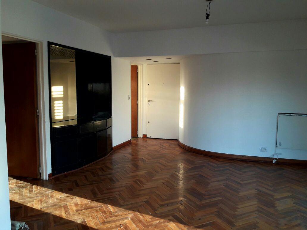 Foto Departamento en Alquiler temporario en  Vicente López ,  G.B.A. Zona Norte  Monasterio 411,  Piso 5 A