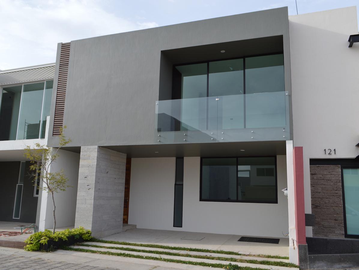 Foto Casa en Venta en  Fraccionamiento Los Almendros,  Zapopan  Av Rio Blanco 1900 120 Argenta