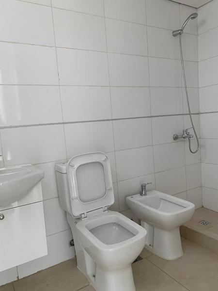 Foto Oficina en Alquiler en  Lomas de Zamora Oeste,  Lomas De Zamora  Av. H. Yrigoyen  9277 Oficinas 4º B  y   5º B