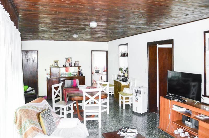 Foto Casa en Venta en  General Belgrano,  General Belgrano  Calle 4 esq.29 al 100
