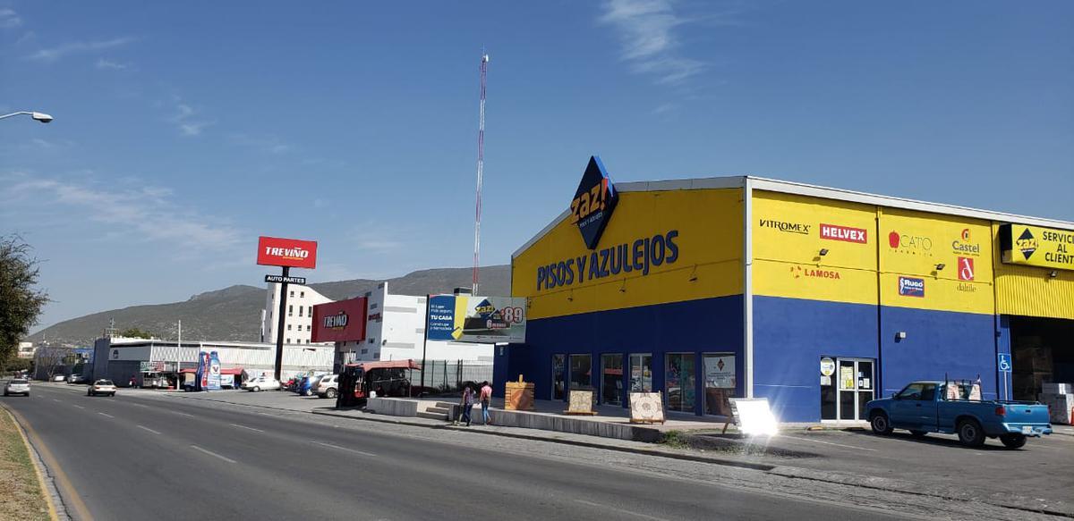 Foto Edificio Comercial en Venta en  Monterrey ,  Nuevo León  Plaza Comercial San Jose