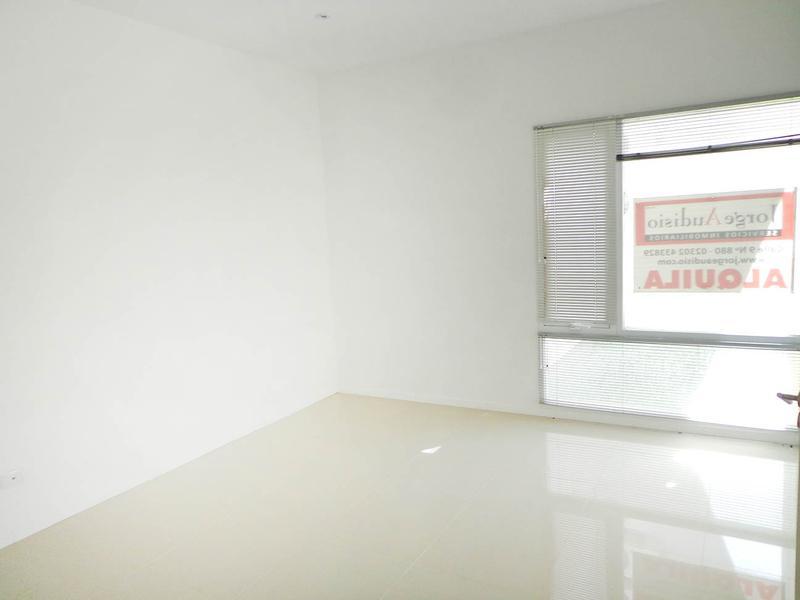 Foto Oficina en Venta en  General Pico,  Maraco  Av. San Martin Nº 475 e 109 y 107