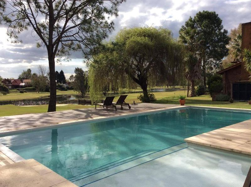 Foto Casa en Venta en  Nautico Escobar,  Countries/B.Cerrado (Escobar)  Náutico Escobar Country Club