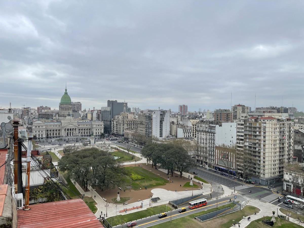 Foto Departamento en Venta en  Congreso ,  Capital Federal  Hipólito Irigoyen al 1500