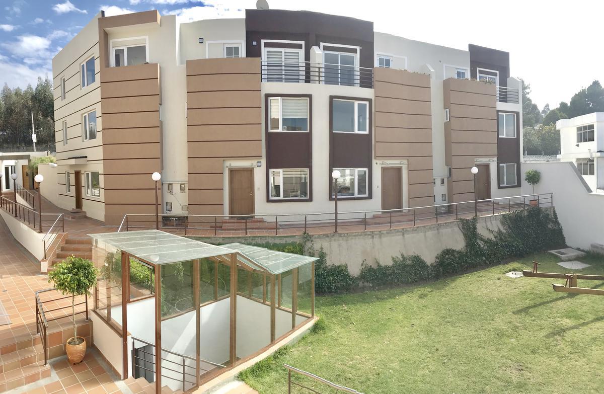 Foto Casa en Venta en  Norte de Quito,  Quito  Daniel Comboni y Los Helechos
