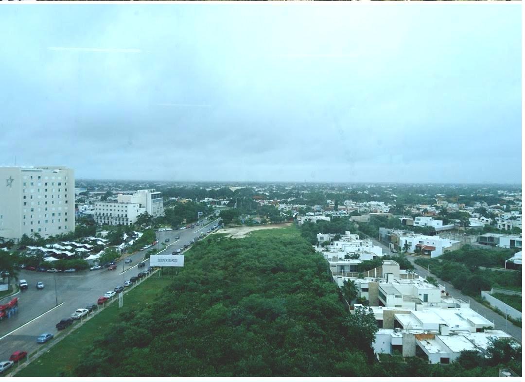 Foto Oficina en Renta en  Fraccionamiento Altabrisa,  Mérida  Calle 15 #503 x 18 y 22 Fraccionamiento Altabrisa, Calle 15, Col. Altabrisa, al 97100